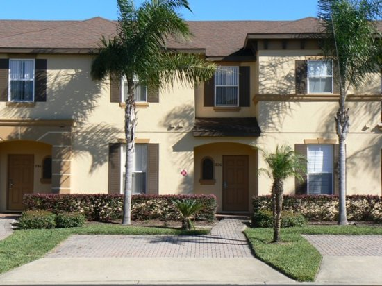 Regal palms townhome exterior in orlando florida